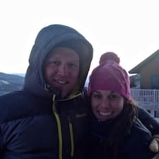 Katie & Zach felhasználói profilja