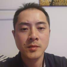 奕豪 User Profile