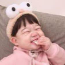周佳仪 felhasználói profilja