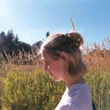 Aisha felhasználói profilja