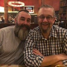 Timoth & Peter的用戶個人資料