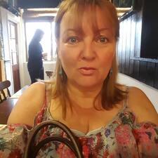 Profilo utente di Julie