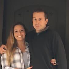 Profil Pengguna Marty And Melissa