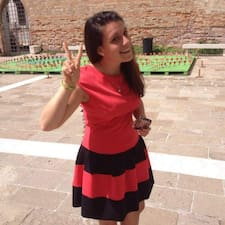 โพรไฟล์ผู้ใช้ Anna Giorgia