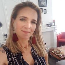 Henkilön Julie käyttäjäprofiili