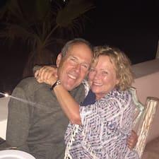 โพรไฟล์ผู้ใช้ Debbie & Ken