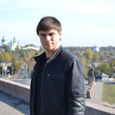Sergey er ofurgestgjafi.