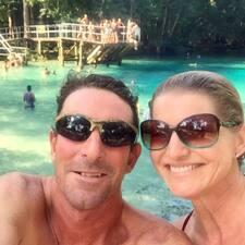 โพรไฟล์ผู้ใช้ Suzanne & Robert