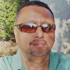 Próifíl Úsáideora Ajay