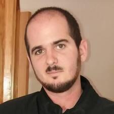 J. Javier felhasználói profilja