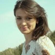 Adelina felhasználói profilja