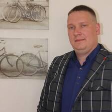 Анатолий Brugerprofil
