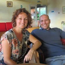 Emilie & Ludovic ist der Gastgeber.