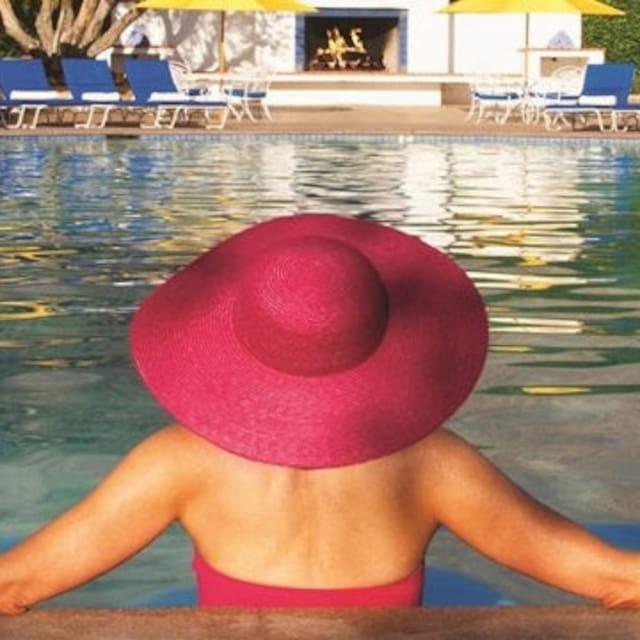 Profil Pengguna Luxury Villas