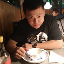华铮 felhasználói profilja