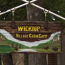 Wickiup is een SuperHost.