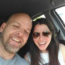 Profil korisnika Liz And George