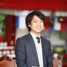 Zjisti více o hostiteli Koichiro