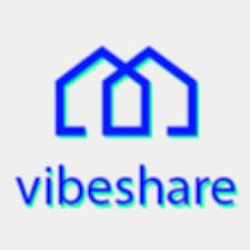 Vibeshare is a superhost.