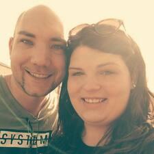 Sarah & Dominic Kullanıcı Profili
