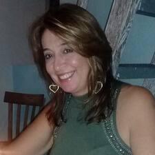 Luz Dary es el anfitrión.