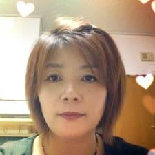 有里 is een SuperHost.