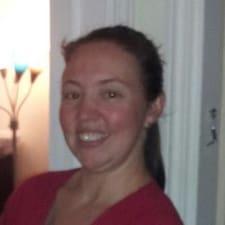 Profil Pengguna Meredith Ena  Barton