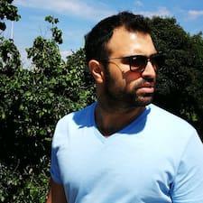 Adir felhasználói profilja
