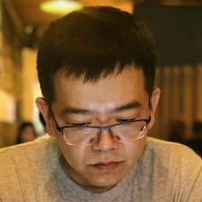 Zhang felhasználói profilja