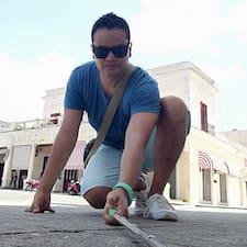 โพรไฟล์ผู้ใช้ Pedro Alejandro