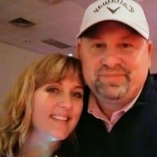 โพรไฟล์ผู้ใช้ John & Jennifer