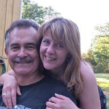 โพรไฟล์ผู้ใช้ Judy And Kevin