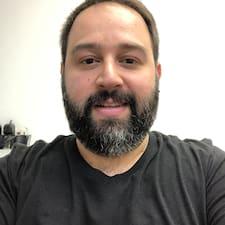 Profil Pengguna Guy