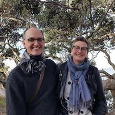 Julian & Frances Brugerprofil