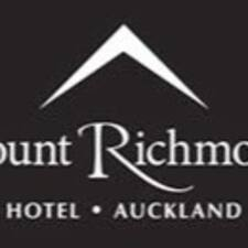 Mount Richmond Hotel