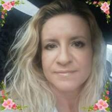 Profil Pengguna Christie Bishop