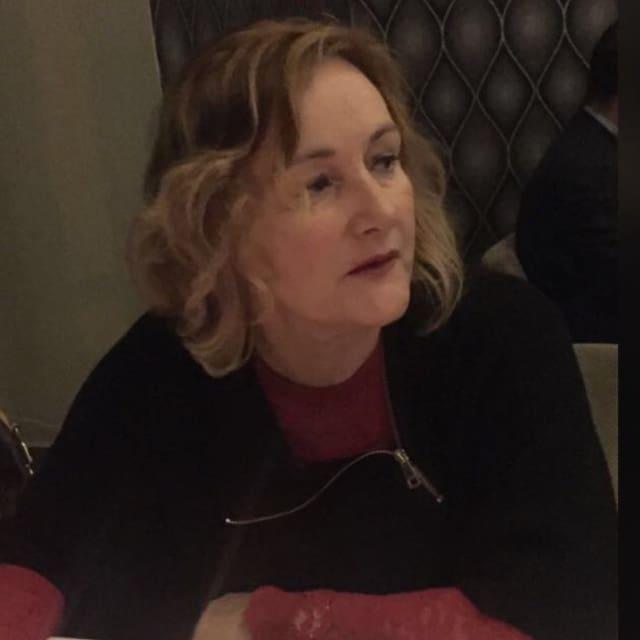 Hồ sơ người dùng Angela