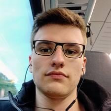 Profil Pengguna Maximilian