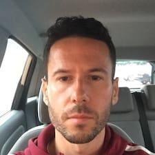 Profilo utente di Lewis