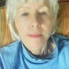 โพรไฟล์ผู้ใช้ Ann