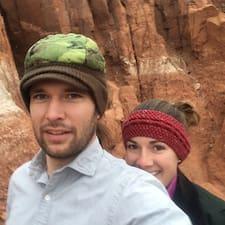 โพรไฟล์ผู้ใช้ Jared And Deborah