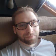 Mathew felhasználói profilja
