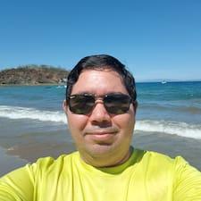 โพรไฟล์ผู้ใช้ Luis Alonso