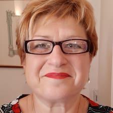 Patricia to Superhost.