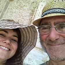 โพรไฟล์ผู้ใช้ Elena & Antonio