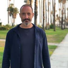โพรไฟล์ผู้ใช้ Julian