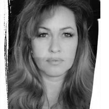 Aurelie Hajnalka User Profile