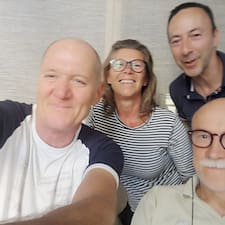 Manuela, Fulvio, Lorenzo, Piero — суперхозяин.