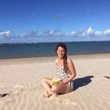 Anne-Claire felhasználói profilja