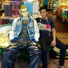 Komang Widi felhasználói profilja